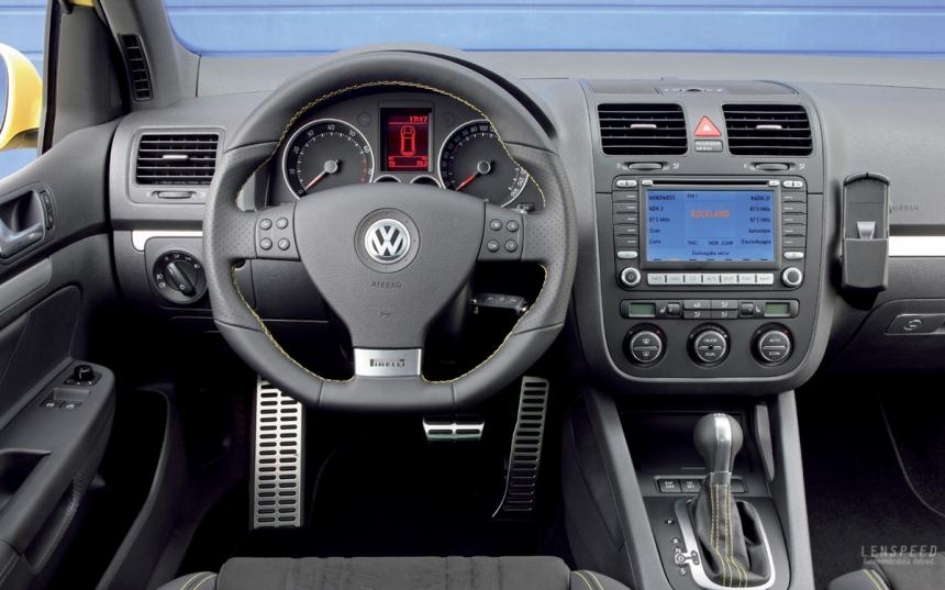 VW-Golf-GTI-Pirelli-07